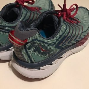 Hoka One One Clifton 4 Size 7.5 Running Shoes